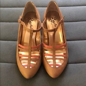 Seychelles brown and pink heels size 8.5